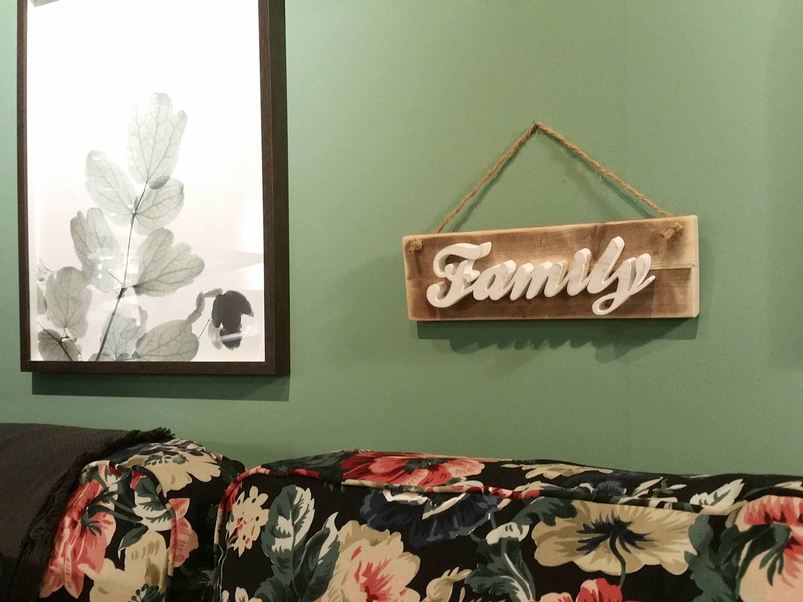 Family word wall hanging Image